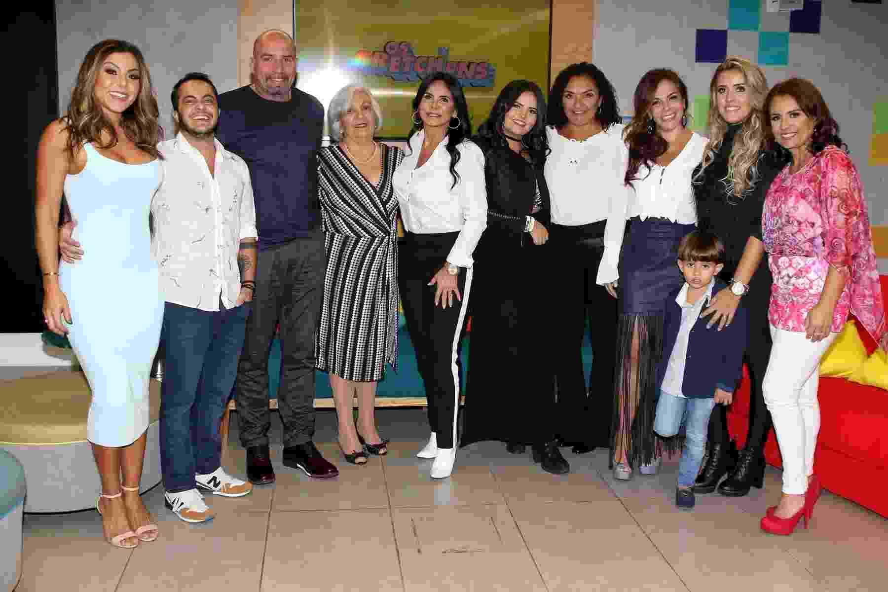 """Gretchen reúne a família para o lançamento do reality """"Os Gretchens"""", do canal pago Multishow - Thiago Duran/AgNews"""