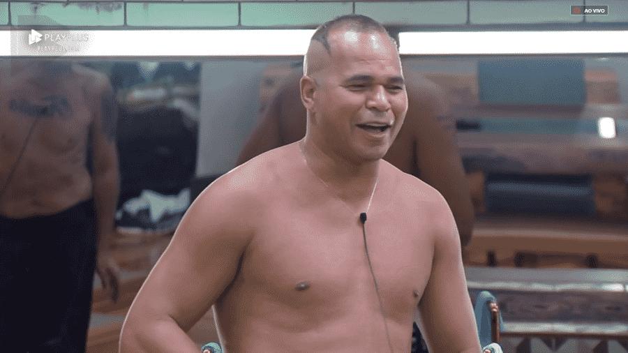 Chulapa conta situação inusitada durante festa do pijama - Reprodução/PlayPlus