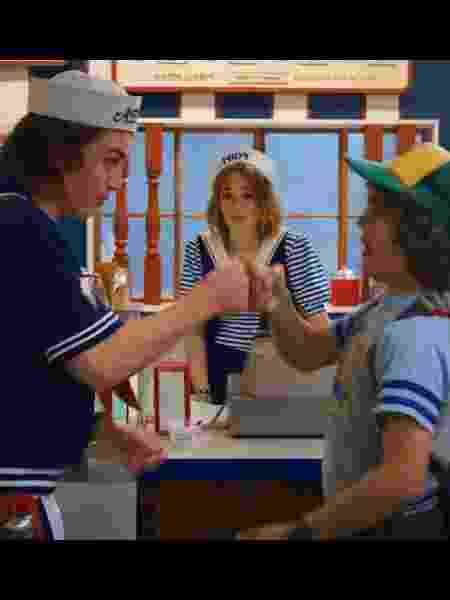 """Steve, Robin e Dustin no trailer da terceira temporada de """"Stranger Things"""" - Reprodução - Reprodução"""