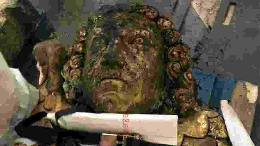 Peça encontrada em escombros da Notre-Dame - Reprodução/La Tribune de l