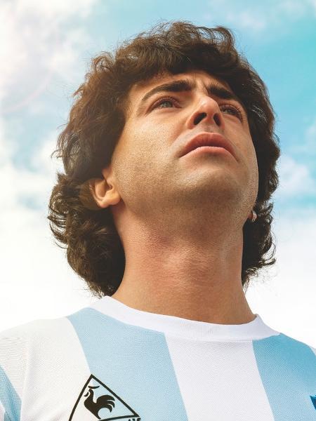 Nazareno Casero como Diego Maradona da série da Amazon - Divulgação