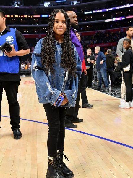 Blue Ivy Carter em jogo de basquete em março de 2020  - Allen Berezovsky/Getty Images