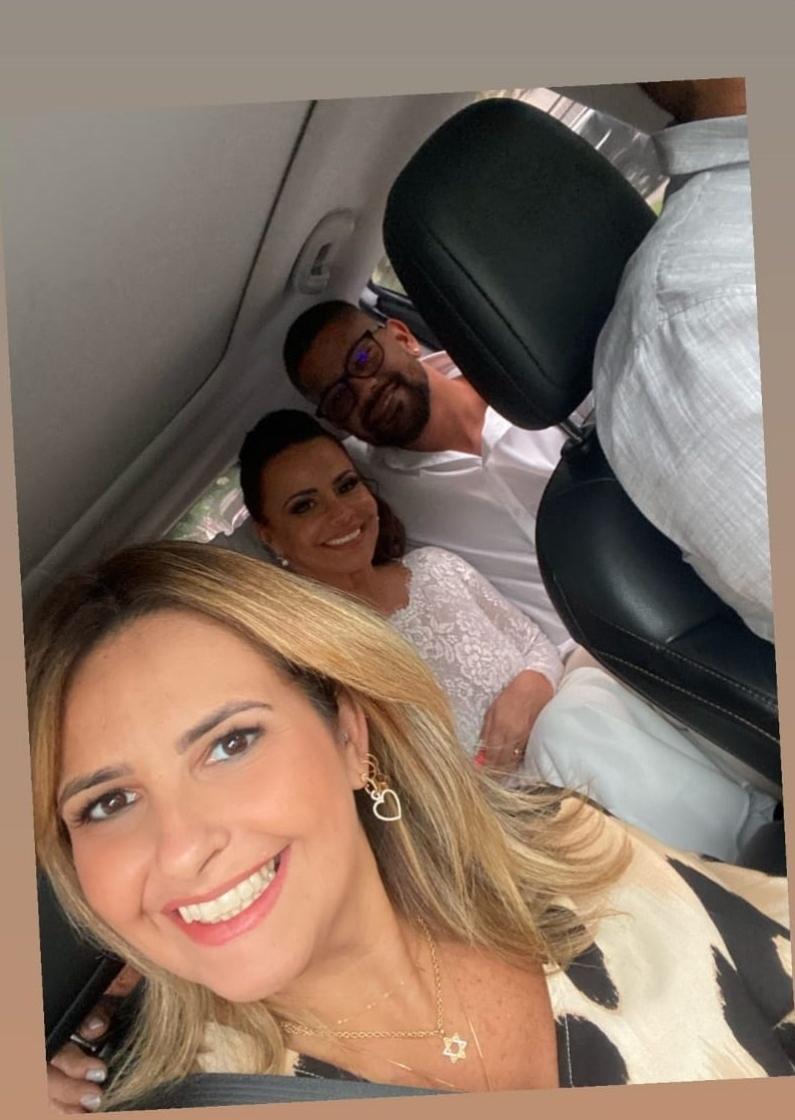 Debora Martinez compartilhou foto do casal