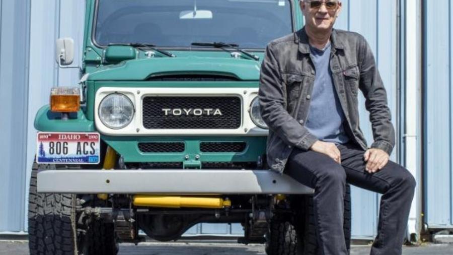 Tom Hanks com Toyota Bandeirante - Reprodução