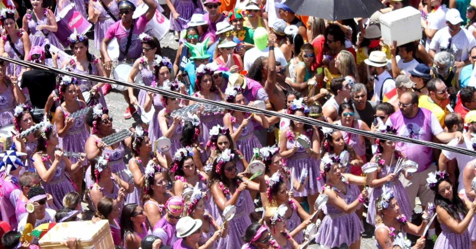 7.fev.2016 - Foliões curtem o Carnaval em Olinda (PE), na tarde de domingo