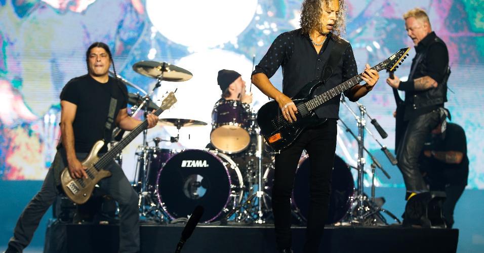 """A banda Metallica encerrou o primeiro dia no palco Skol, do Lollapalooza, com várias faixas de seu novo disco """"Hardwired? To Self Destruct"""""""