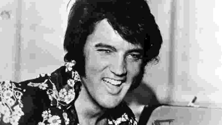Elvis completaria 82 anos em 2017; cantor vendeu um milhão de discos só no ano passado - Keystone/Getty Images
