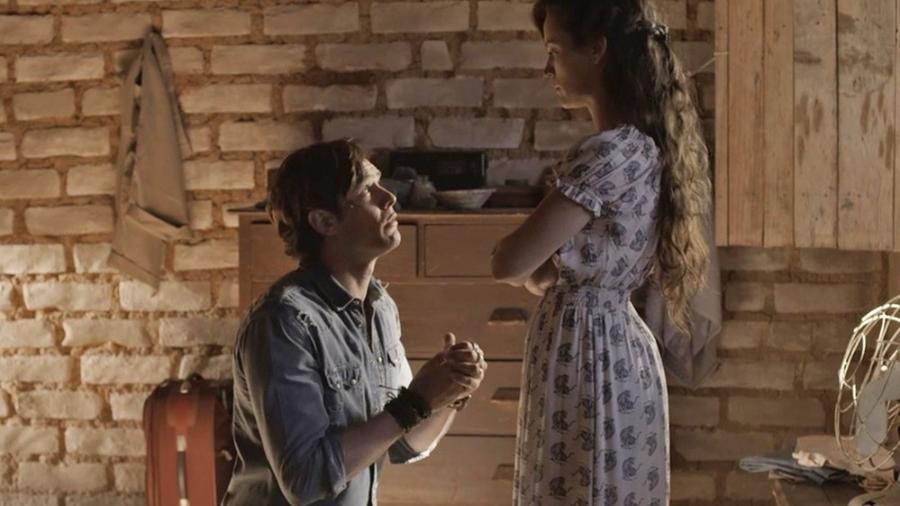 """Gael implora que Clara o perdoe em """"O Outro Lado do Paraíso"""" - Reprodução/Gshow"""