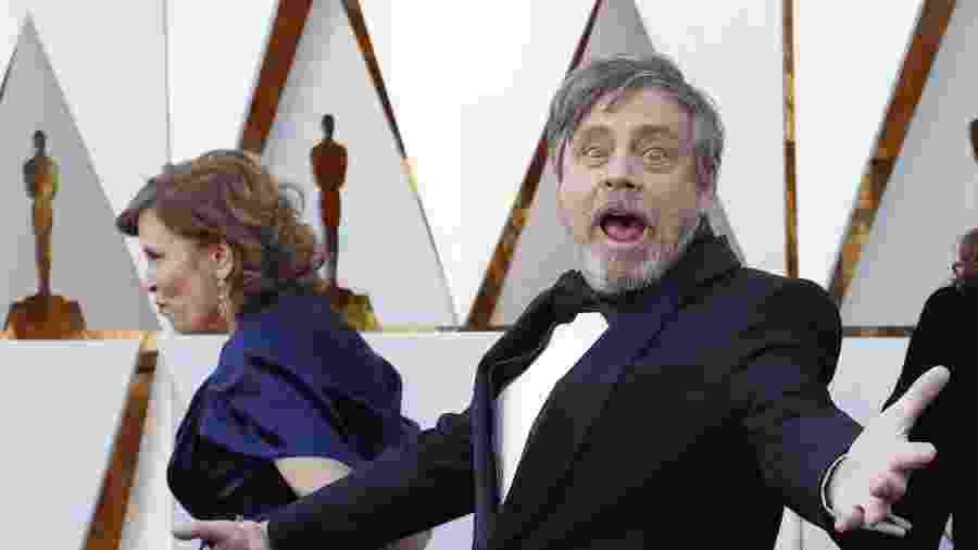 Mark Hamill faz caras e bocas no tape vermelho da 90ª cerimônia do Oscar - REUTERS/Mario Anzuoni