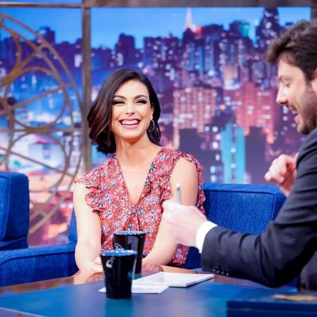 """Morena Baccarin em entrevista ao """"The Noite"""" com Danilo Gentili   - Gabriel Cardoso/SBT/Divulgação"""
