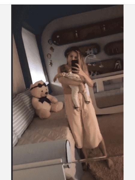 Andressa Suita nina o caçula - Reprodução/Instagram
