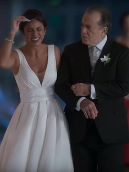 """A personagem de Yanna Lavigne é abandonada no dia do casamento em """"O Sétimo Guardião"""" - Reprodução/TV Globo"""