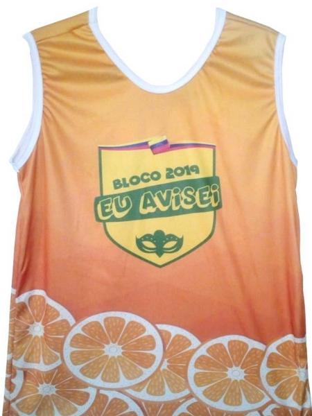 1d88a00ea4f Bloco Eu Avisei estreia no Rio com abadá laranja para debochar de Bolsonaro