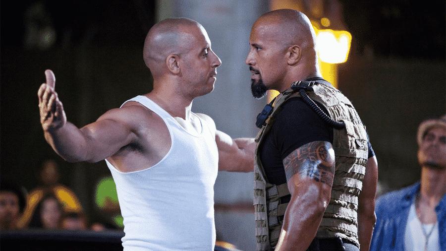 """Vin Diesel e Dwayne """"The Rock"""" Johnson em cena de """"Velozes & Furiosos 5: Operação Rio"""" - Reprodução"""