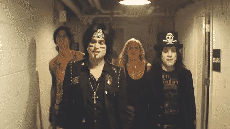 Cena de The Dirt, sobre o Mötley Crüe - Reprodução/Youtube - Reprodução/Youtube