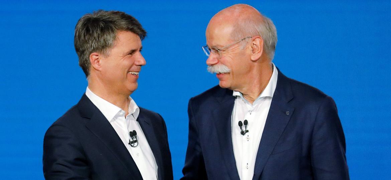 CEOs de BMW e Daimler firmam acordo; cada empresa terá 50% das ações - Axel Schmidt/Reuters