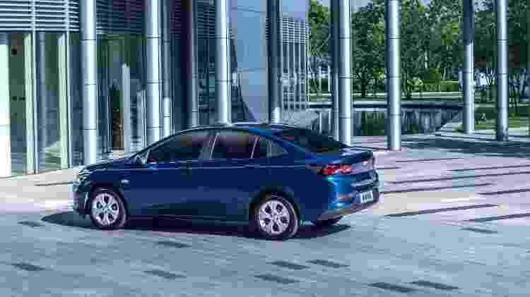 Versão de entada do Onix Sedan (como o atual Prisma será rebatizado) traz rodas de 16 polegadas na China - Divulgação