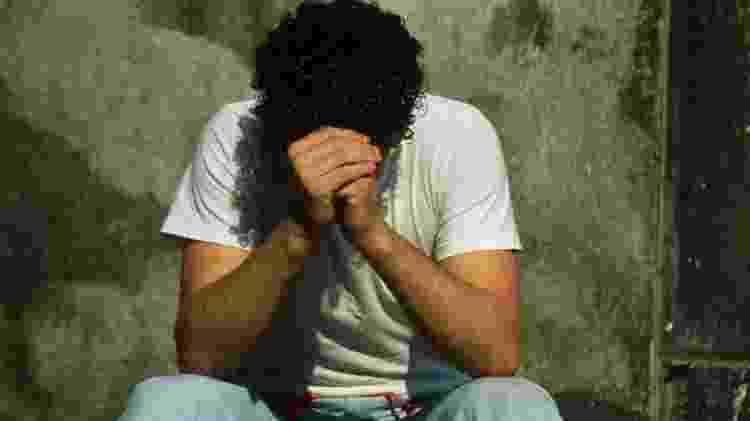 O grupo de homens adultos é mais vulnerável porque procura menos ajuda médica quando passa por momentos de crise, seja ela emocional, conjugal ou financeira - Getty Images