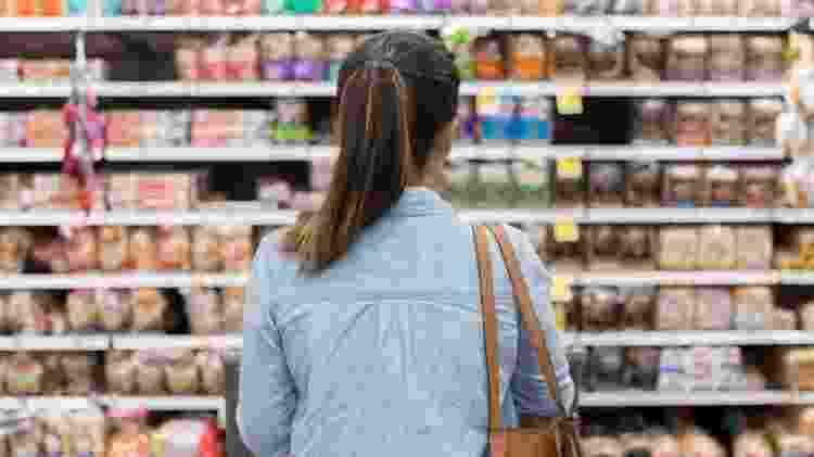 Pesquisadores defendem que os rótulos dos ultraprocessados deveriam alertar para o alto teor de açúcar dos produtos - Getty Images