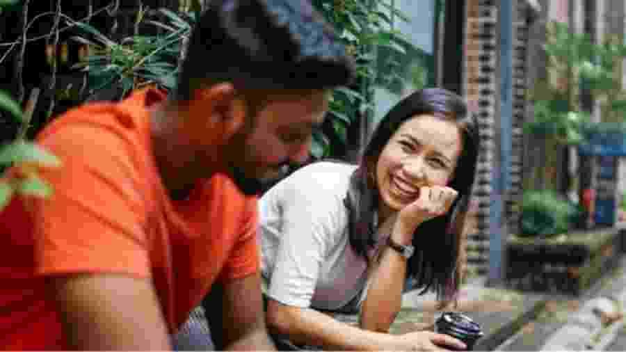 Emendar um relacionamento no outro é bom? Seus amigos podem responder de uma forma, e estudos de outra... - Getty Images