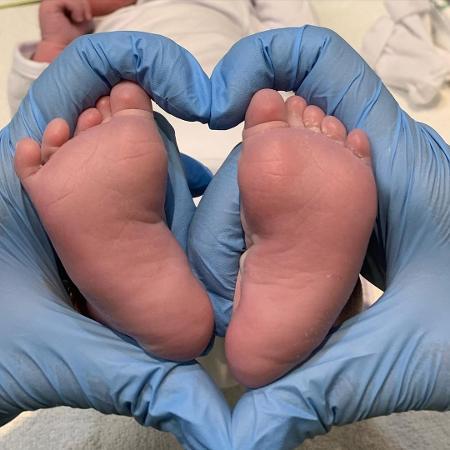 Rafael Vitti compartilhou uma foto dos pés da filha no Instagram - Reprodução/Instagram