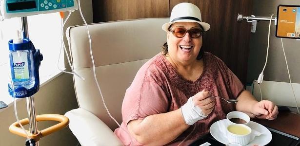 Posou de cara limpa | Mamma Bruschetta passa por cirurgia para retirar tumor