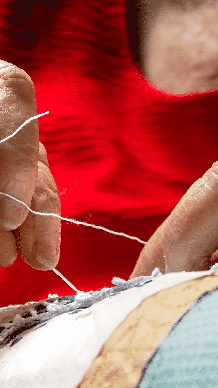 Odete é a única aprendiz viva da primeira turma de artesãs de renda renascença em sua cidade - Divulgação/Fenearte - Divulgação/Fenearte
