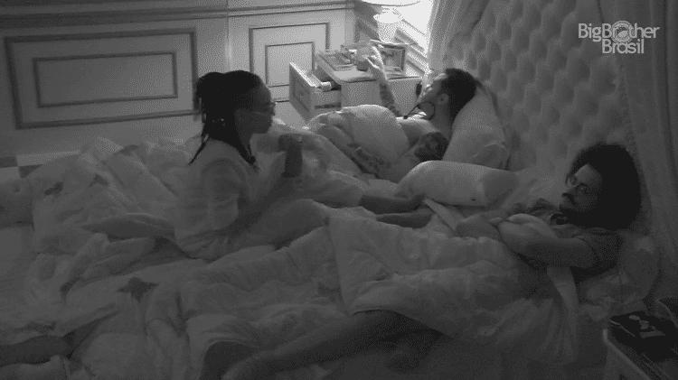 BBB 21: Karol fala sobre Lucas para Nego Di e João no quarto do líder - Reprodução/Globoplay - Reprodução/Globoplay