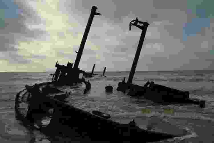 Naufrágio Altair, cargueiro que repousa na beira da praia desde 1976 - Arquivo pessoal - Arquivo pessoal