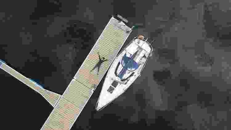 """Tamara e seu barco """"Sardinha"""" - Arquivo pessoal - Arquivo pessoal"""