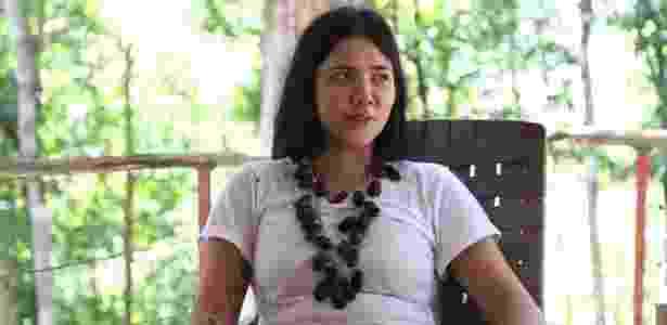Luisa Lovefoxx, cantora do Cansei de Ser Sexy, em entrevista na Amazônia, onde está isolada para se dedicar à pintura - Reprodução