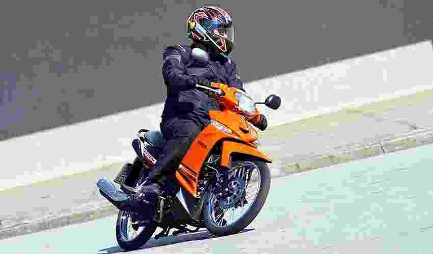 Yamaha T 115 Crypton 2015 - Mario Villaescusa/Infomoto