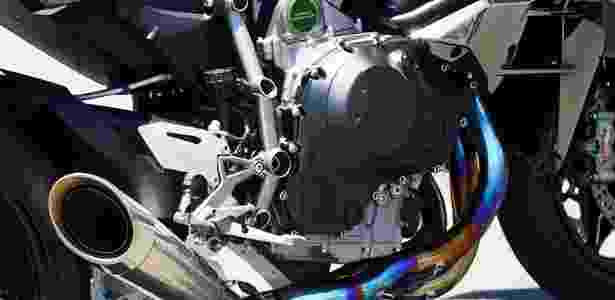 Motor de 1.000 cc usa compressor para chegar à insana potência de 326 cv - Mario Villaescusa/Infomoto
