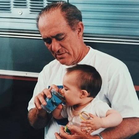 Líviam Aragão publica foto com o pai na infância - Reprodução/Instagram