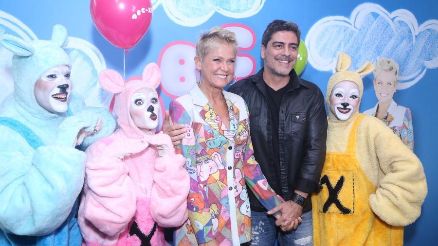 """Xuxa Meneghel e o namorado Junno Andrade lançam o DVD """"Xuxa Só Para Baixinhos 13"""" no Rio de Janeiro - Anderson Borde/Agnews"""