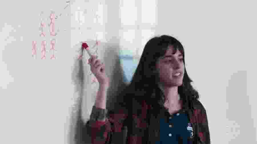 """Em """"Malhação"""", Lica dá """"aula"""" sobre machismo após ser hostilizada por beijar muito em festa - Reprodução/TV Globo"""