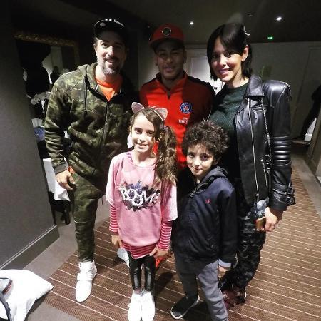 Marcos Mion visita Neymar em Paris com a mulher e os filhos - Reprodução/Instagram