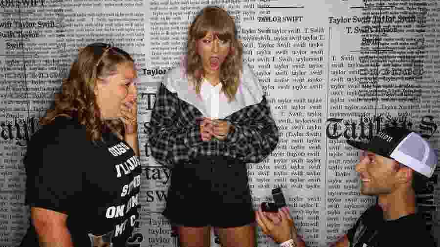 Taylor Swift aparece chocada ao presenciar fã pedindo a mão da namorada em casamento - Reprodução / Instagram