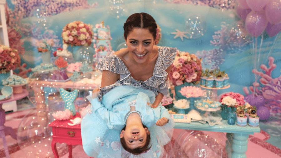 Carol Castro e Nina no aniversário de 1 ano da garotinha - Reprodução/Instagram