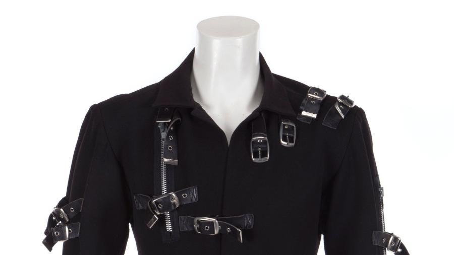 "Jaqueta usada por Michael Jackson na turnê ""Bad"" vai a leilão - Julien""s Auctions/Handout"
