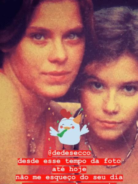 Carolina Dieckmann e Deborah Secco novinhas em foto antiga - Reprodução/Instagram