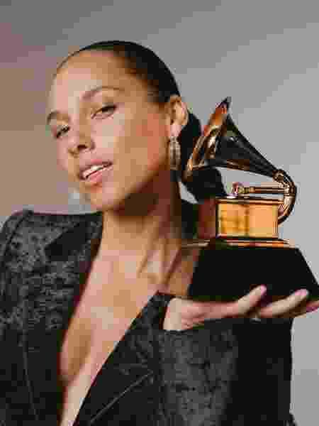 Alicia Keys vai apresentar o Grammy 2019  veja divertido vídeo de anúncio e0900a4480