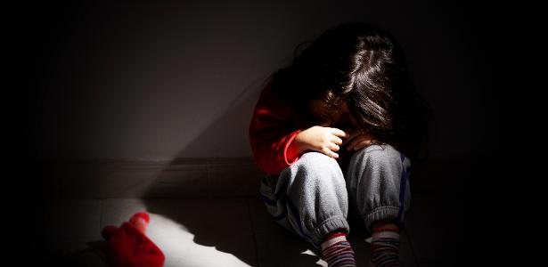Está grávida de 8 meses | Menina de 10 anos é estuprada por irmão de 15 na Argentina