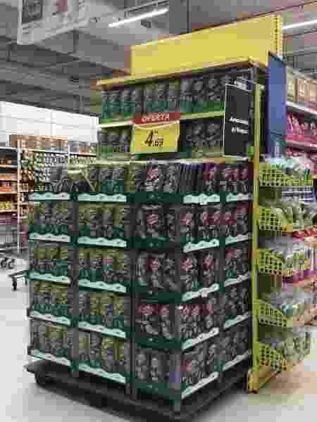 As esponjas recicladas são usadas para fabricar display de venda das próprias esponjas - Divulgação