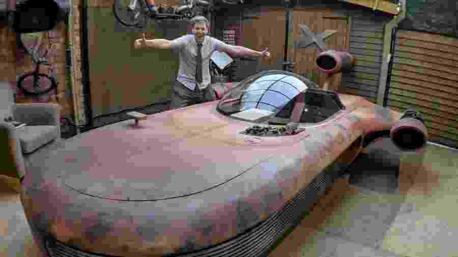 Homem constrói réplica em tamanho real de Landspeeder da saga de Star Wars - Divulgação