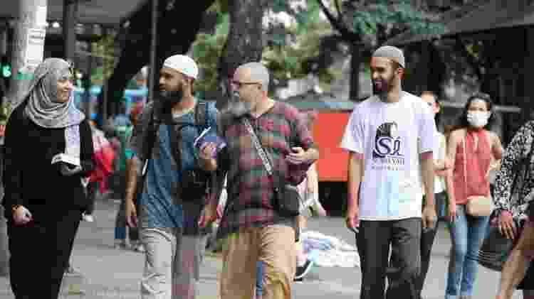 Em Belo Horizonte, os paulistas encontraram uma fiel para ajudar a dar palestras sobre o islamismo - Rafiq Aires