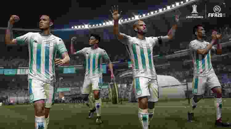 É possível jogar com uniformes e escudos dos times brasileiros - Divulgação