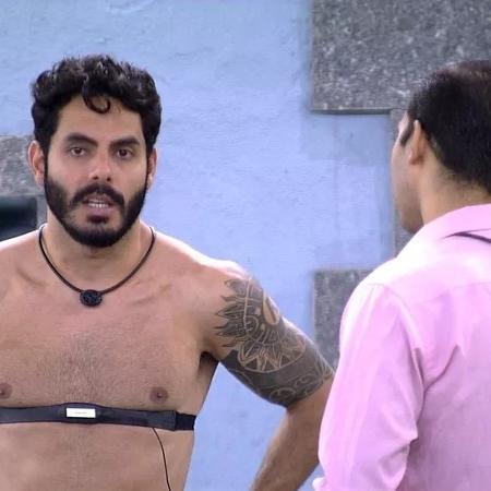 BBB 21: Rodolffo pede desculpas para Gilberto na noite de eliminação - Reprodução/ Globoplay
