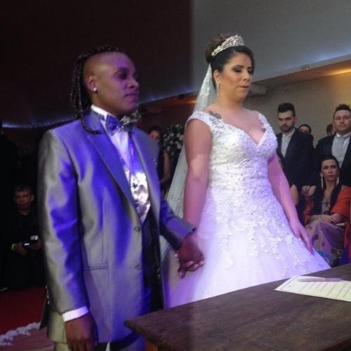 6.jul.2015 - Neném e Thaís Baptista se casam no civil em cerimônia para 250 convidados em São Paulo