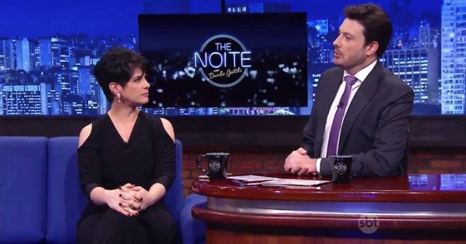 """16.out.2015 - Após ser liberada pela RedeTV!, Mariana Godoy é entrevistada por Danilo Gentili no """"The Noite"""" desta segunda-feira"""